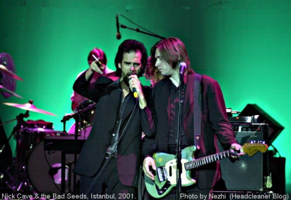 Nick & Blixa, Istanbul, 9 July 2001, by Nezhi (Headcleaner)